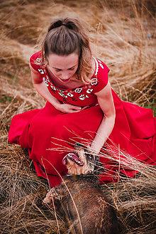 Šaty - Červené šaty s výšivkou - 11012364_
