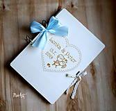 Papiernictvo - Svadobná kniha hostí, drevený fotoalbum -  zaľúbený párik veľký A4 - 11014845_