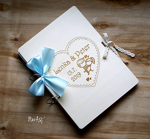 Svadobná kniha hostí, drevený fotoalbum -  zaľúbený párik veľký A4