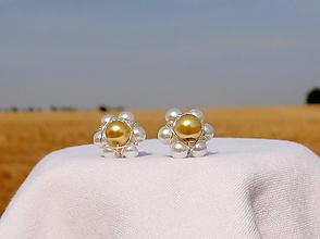 Náušnice - ...v dlani sa mi túlia dve malé krásky...náušnice (voskovaná perla) - 11016460_