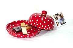Nádoby - Červená maselnička na malé maslo - 11015627_