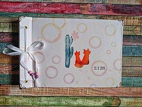 Papiernictvo - Fotoalbum klasický s ilustráciou ,,Líštičky v bublinkovej záhradke,, - 11015222_