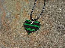 Náhrdelníky - Drevené srdce - 11016928_