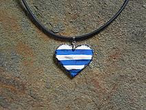 Náhrdelníky - Drevené srdce - 11016949_