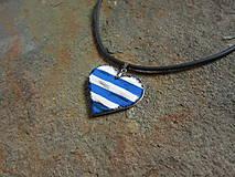 Náhrdelníky - Drevené srdce - 11016951_
