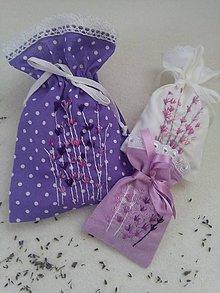 Úžitkový textil - Spomienka na leto (ručne vyšívané vrecúška s pravou levanduľou) - 11019021_