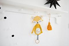 Hračky - Líštička na kočík horčicová - 11020238_