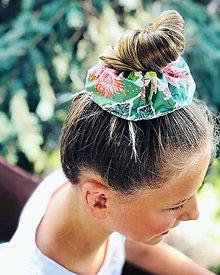 Ozdoby do vlasov - Bavlnená elastická gumička scrunchie zelená - 11019983_