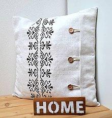 Úžitkový textil - Ľanový vankúš s ornamentom - 11022439_