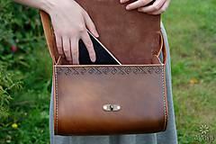 Kabelky - Kožená kabelka BOJANA •Čičmany• - 11023635_