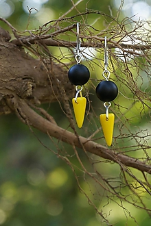Náušnice - Farebné špicaté náušnice (Žltá) - 11024906_
