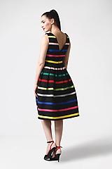 Šaty - Šaty čierne s farebnými pásikmi - 11028131_