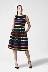 Šaty - Šaty čierne s farebnými pásikmi - 11028132_