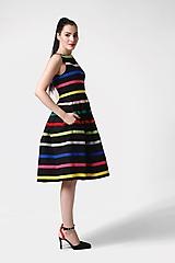 Šaty - Šaty čierne s farebnými pásikmi - 11028135_