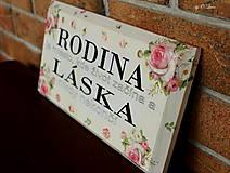 Tabuľky - Rodina - ružové ruže, ceduľka z masívu - 11026006_