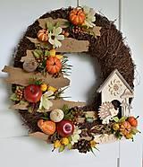 Dekorácie - Jesenný veniec s ježkom a domčekom - 11027886_