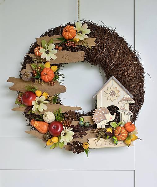 Jesenný veniec s ježkom a domčekom