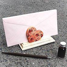 Dekorácie - Luxusný stojan na obálky - 11029222_