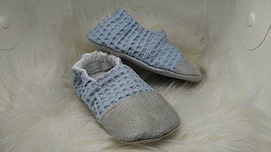 Topánočky - Capačky modré vafličky s ochrannou špičkou 18-24 mesiacov - 11033422_