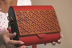 Drevená kabelka Geometrica II. (Červená)