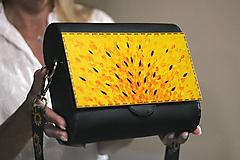 Drevená kabelka Abstrakta (Žltá)