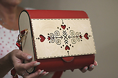 Drevená kabelka Čičmanca (Červeno- béžová)