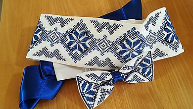Opasky - Ručne vyšívaný folk opasok s motýlikom (Modrá) - 11035722_