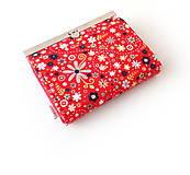 Peňaženky - Peňaženka s priehradkami Zmes malých kvietkov na červenej - 11035025_