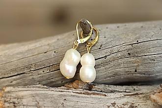 Náušnice - Visiace náušnice s riečnou perlou - 11032618_