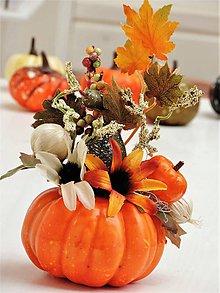 Dekorácie - Jesenná dekorácia- tekvica (oranžová) - 11036337_
