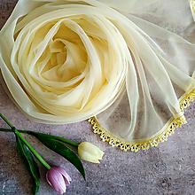 Šály - Jarní medový - žltý svadobny šál s čipkou - 11038223_