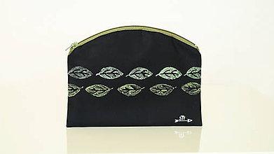 Taštičky - Plátená taštička ručne maľovaná- 3D lístky - 11038184_