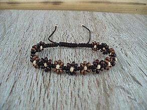 Náramky - jemný shamballa náramok s drevenými kvietkami - 11038928_