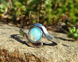 Prstene - Strieborný Prsteň s Etiópskym drahým Opálom - 11040594_