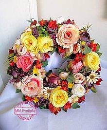 Dekorácie - Jesenný veniec na dvere - 11042123_