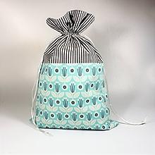 Úžitkový textil - Veselé bavlnené vrecúško (svetlotyrkysové kvietky ///) - 11042993_