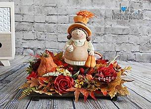 Dekorácie - Jesenná dekorácia s keramickým dievčatkom - 11041494_