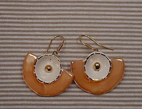 Náušnice - Keramické náušnice so zlatom - A bodka - 11046119_