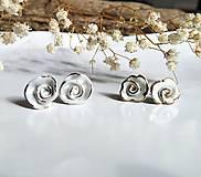 Náušnice - porcelánové náušnice - Ružičky so zlatom - 11046229_