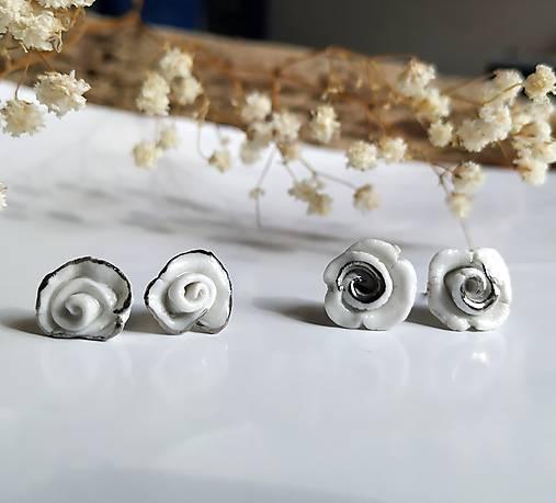 porcelánové náušnice - Ružičky s platinou