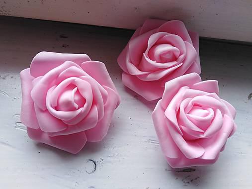 Penová ruža ružová