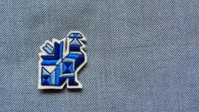 Odznaky/Brošne - Brošňa vták čičmany - 11048623_