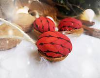 Dekorácie - Vianočné orechy červené - 11047507_