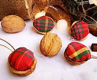 Vianočné orechy, kárované, červeno-zelené