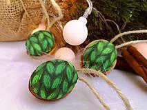 Dekorácie - Vianočné orechy zelené - 11048149_