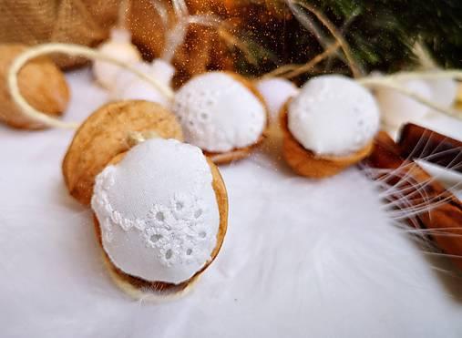Vianočné orechy biele z madeiry