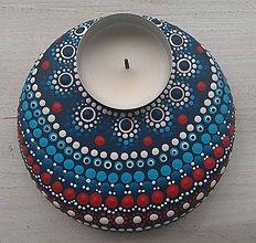 Svietidlá a sviečky - Bodkovaný drevený svietnik - akryl (Drevený svietnik 2) - 11053215_