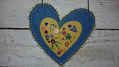 Náhrdelníky - náhrdelník z filcu - srdiečko - 11052032_