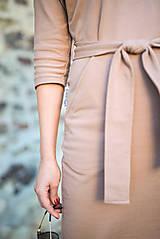 Šaty - Béžové úpletové šaty - 11052769_