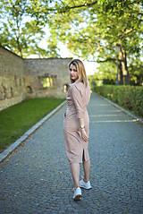 Šaty - Béžové úpletové šaty - 11052773_